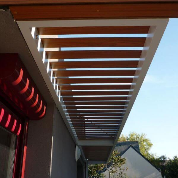 construction pergolas brise soleil sur mesure 44 loire. Black Bedroom Furniture Sets. Home Design Ideas